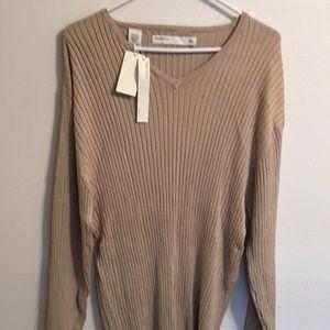 Perry Ellis v neck sweater NWT size XXL.